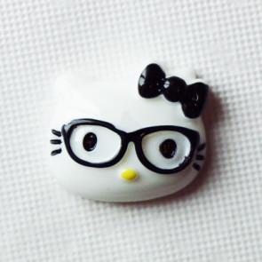 Resin Hello Kitty Nerd Hoved 28x20 mm - Sort Sløjfe