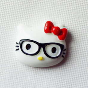 Resin Hello Kitty Nerd Hoved 28x20 mm - Rød  Sløjfe